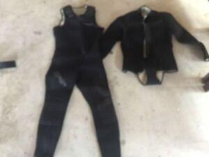 Ladies mirage 2 piece wetsuit Tarragindi Brisbane South West Preview