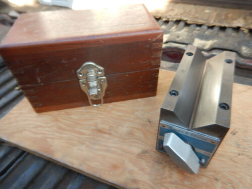 OLDER BROWN AND SHARPE MAGNETIC V BLOCK WITH WOODEN CASE MACHINIST TOOL