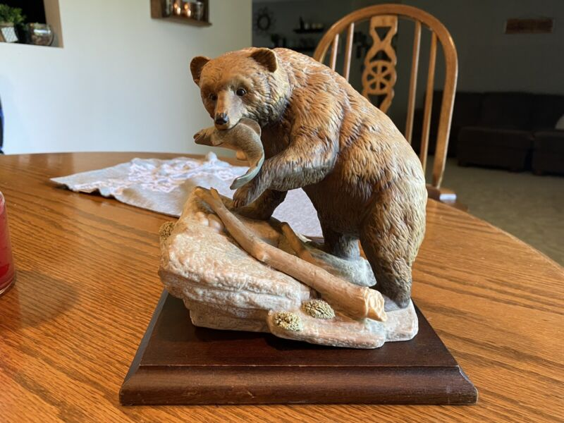 Masterpiece Porcelain By Homeco. Endangered Species: Brown Bear.