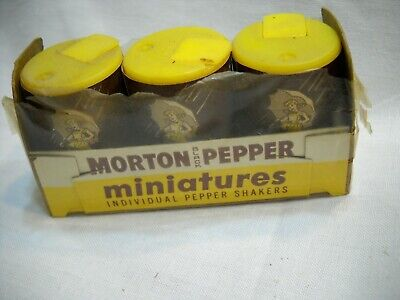 VINTAGE MORTON PEPPER MINIATURE SHAKERS 3 PIECES IN ORIGINAL BOX UMBRELLA GIRL