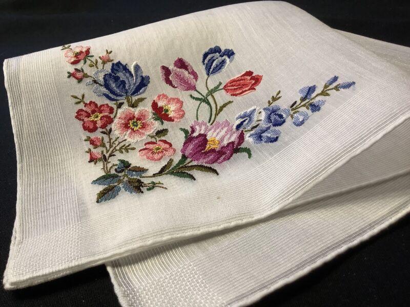 #8170🌟EXTRAORDINARY Vintage PETITPOINT Fresh French Tulip Garden Handkerchief