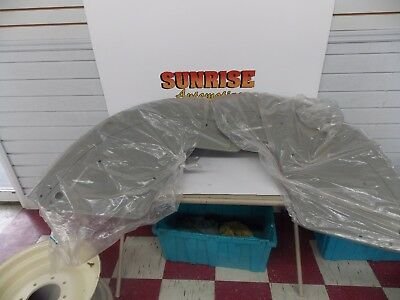 Nos Tractor Fenders Pair 40062352 40062353 New