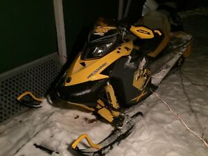 Skidoo MXZ 600 RENEGADE REV XP HO SDI