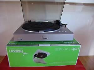 Fission vinyl 33/45/78 rpm belt-drive USB record turntable Vincentia Shoalhaven Area Preview