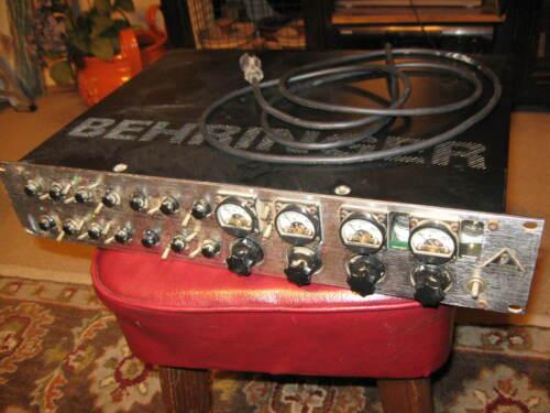 Behringer T1952 Vintage Series