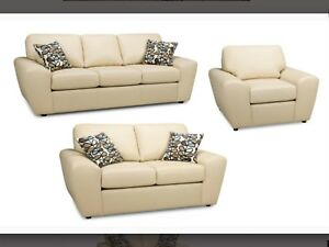 SOFA IN LEATHER BRAND NEW