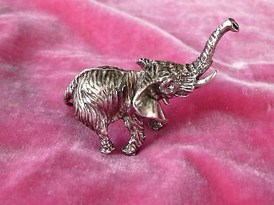 DIMINUTIVE VINTAGE MID CENTURY SOLID STERLING SILVER ELEPHANT