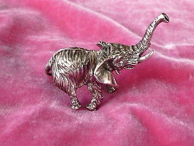 DIMINUTIVE VINTAGE MID CENTURY SOLID STERLING SILVER ELEPHANT