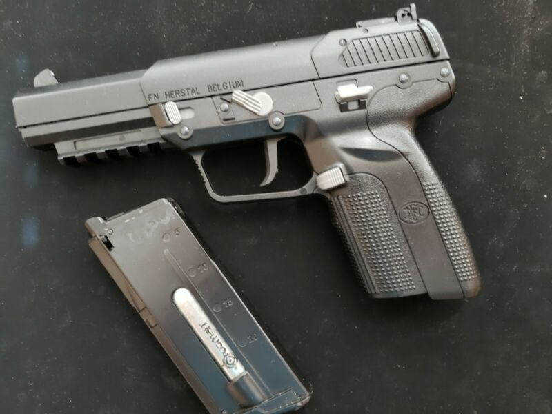 Airsoft Marushin FN 5-7 Five Seven Co2 Powered