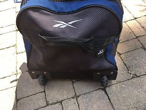 Rebook hockey bag with wheels