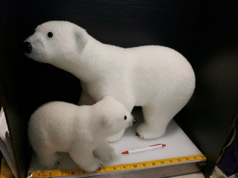 POLAR BEAR FIGURES Set OF 2 MOM & CUB. $80 RETAIL W/TAG.