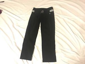 Woman's Lululemon pant in size 2