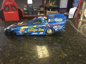 1:16 scale Diecast funny car