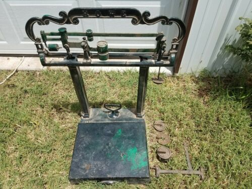 Antique Howe Scale Co Cast Iron Tabletop Vintage Scale and weights