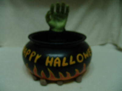VINTAGE GEMMY HAPPY HALLOWEEN  FIRE PIT CANDY DISH W/GRABING HAND FREE SHIP - Halloween Fire Pit