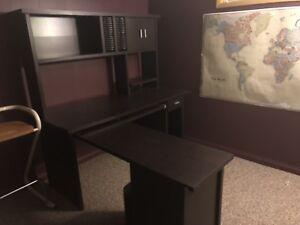 Full computer desk