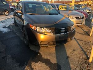2010 Kia Forte EX 5-SPEED ON GOOD WINTERS