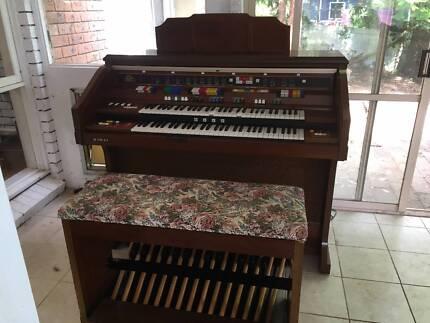 Vintage-Kawai-Organ-DX-1700