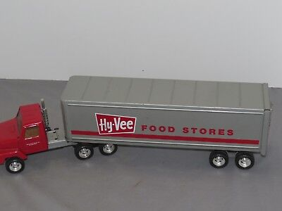 Vintage Ertl 1 25 Toy Hy Vee Food Grocery International Semi Trailer Metal Truck