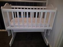 White rocking bassinet/cradle Point Cook Wyndham Area Preview