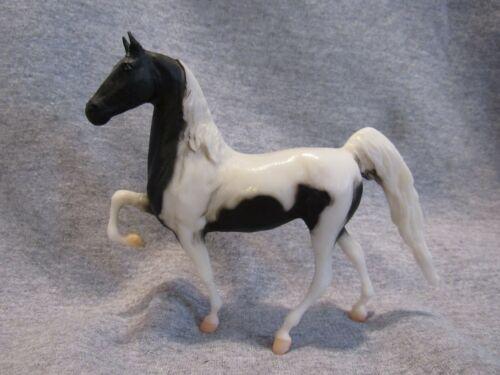Breyer 9070 American Saddlebred paddock pal pinto horse