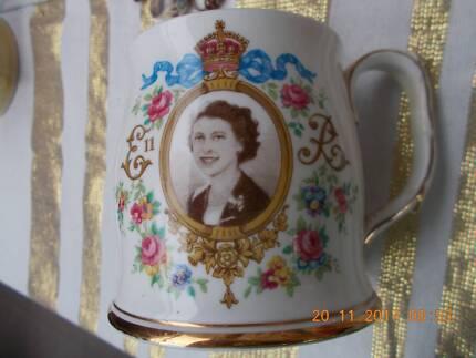 Fine Bone CHINA Sourvenir Cup Queen Elizabeth