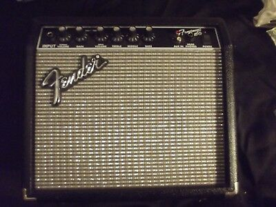 Frontman Fender 15G Guitar/ bass portable amplifer