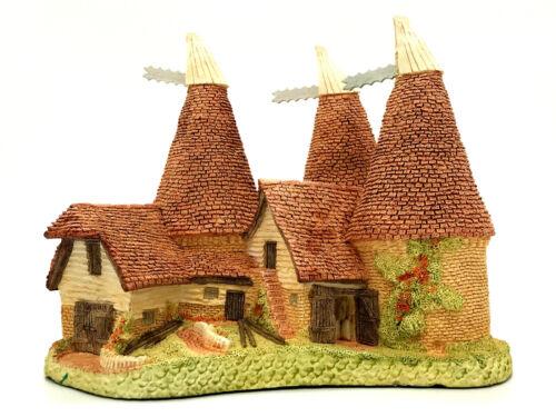 David Winter Cottages Triple Oast 1981 COA And Box