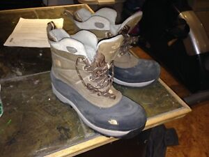 North face men's boots 10