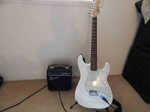 guitar + extras perfect for beginners Runcorn Brisbane South West Preview