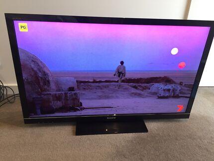 Sony Bravia LCD HX800 46 Inch TV For Sale In Perfect Condition $460