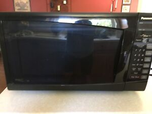Microwave oven. Sold!!