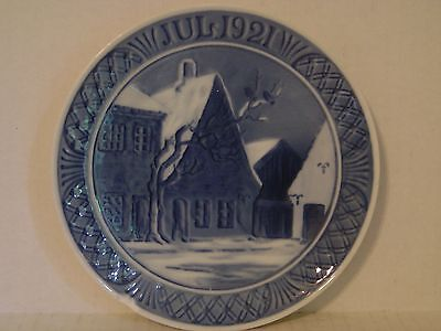 VINTAGE 1921 ROYAL COPENHAGEN AABENRAA MARKET PLACE BLUE CHRISTMAS PLATE