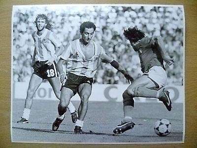 100% Org Press Photo-1982 WC FINALS-ITALY v ARGENTINA,Bruno Conti,Osvaldo Ardile