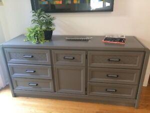 Dresser solid wood 9 drawers
