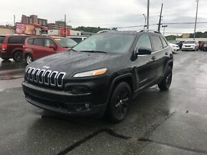 Jeep Cherokee  North, V-6, 4X4
