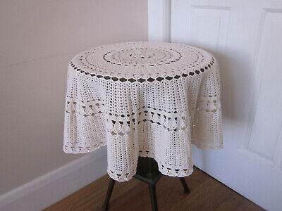 Details about  /Hand Knitted Tablecloth