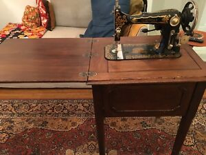 Beautiful Vintage Seamstress B Sewing Machine in Cabinet