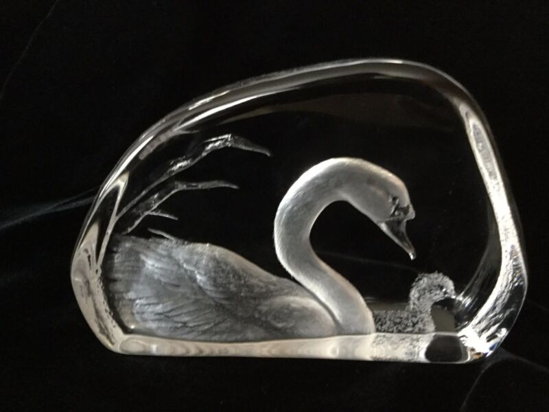 MATS JONASSON , SWAN & CYNGET,  CRYSTAL SCULPTURE, SIGNED & NUMBERED, LARGE