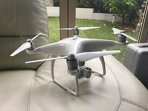 Near New DJI Phantom 4 Drone (4K) w/ 2 Extra Batteries RRP$2677 Epping Ryde Area Preview