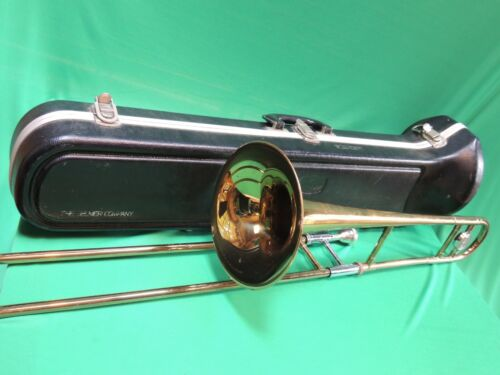 Bundy Trombone 🎵EXTRAS Good Condition REFURBISHED w/ Case and Bach Mouthpiece