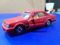 1:62 Nissan Cedric Made in Japan Tomica 13 Red