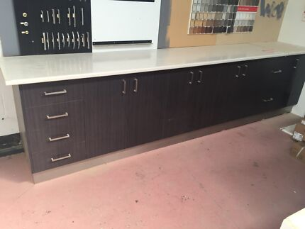 Second Hand Display Kitchen with Free Bosch Range Hood Wodonga Wodonga Area Preview