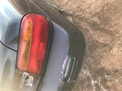 1997-2000 Chrysler Sebring LXi Passager right  Tail Light