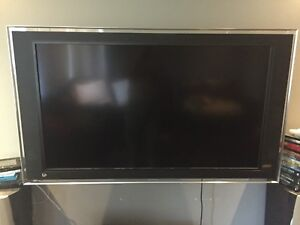 Tv acl Sony xbr 52""
