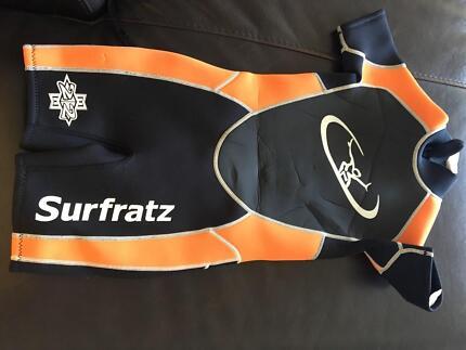 wetsuit kids size 6