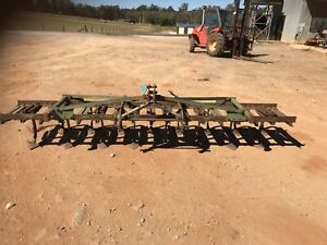 3PL 17 tyne twin spring release chisel plough             151 Wamuran Caboolture Area Preview