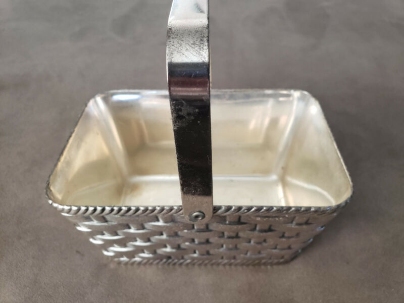 Very rare. Vintage F.B. Rogers silver plated rectangular basket with handle.