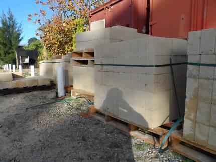 $2,40 RECON LIMESTONE BLOCKS 290x162x90 or $230 /100 Wattleup Cockburn Area Preview