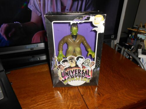 "1991 OFFICIAL UNIVERSAL STUDIOS MONSTERS 10"" FRANKENSTEIN VINYL DOLL B/NEW FR SH"